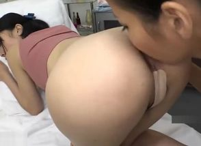 Asian girly-girl masseur is glad..