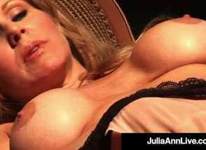 Warm Big-titted Cougar Julia Ann..