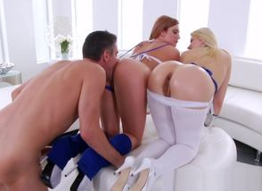 Meaty culo stunners get rimmed..