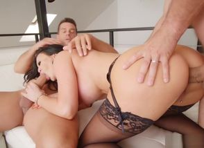 Brit Hotty Jasmine Jae Takes off..