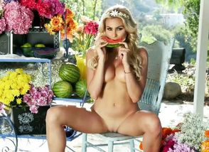Swimsuit stunners khloe terae in..