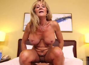 Ample  First-timer Gilf Loves..