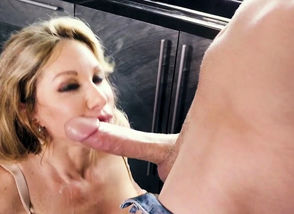 Sumptuous milf fellating