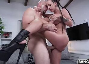 *new jada stevens makes a cumback