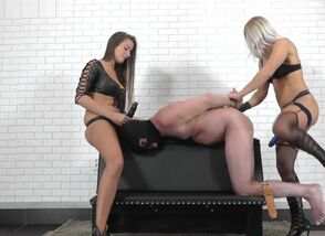 Domina Zita and Domina Amanda -..