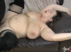 AgedLovE Big-chested Mature..
