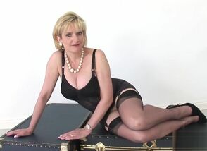 Unfaithful brit mature doll..